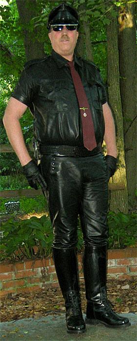 Bluf Leather Gear